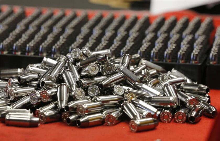 Imagen de archivo de varias balas de calibre .45. EFE/Archivo