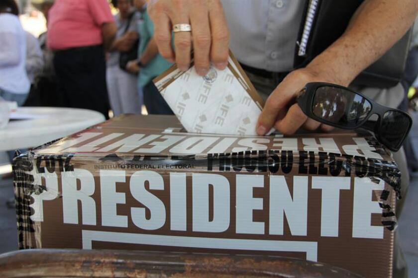 Baja California, estado mexicano que limita con Estados Unidos, se prepara para ir mañana a las urnas en una jornada en la que se prevé que crezca la participación, debido al hartazgo político y al enojo por, entre otros aspectos, la subida del IVA fronterizo. EFE/Archivo