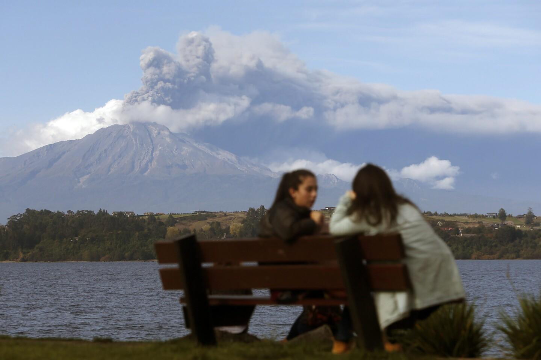 Calbuco volcano erupts again
