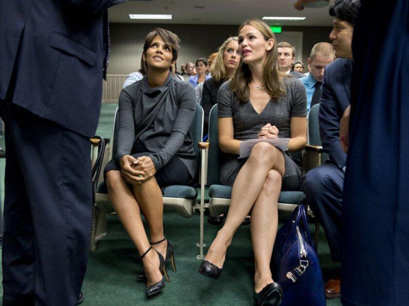 Halle Berry and Jennifer Garner