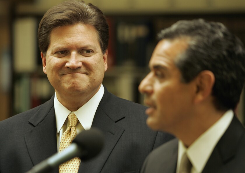 Bob Hertzberg, left, at an event with former Los Angeles Mayor Antonio Villaraigosa.