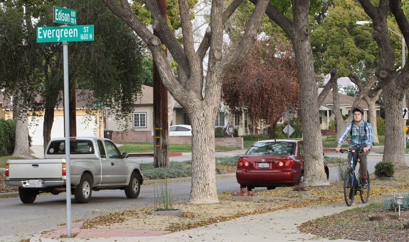 Plans for stop signs, bike lanes OK'd in Burbank neighborhood