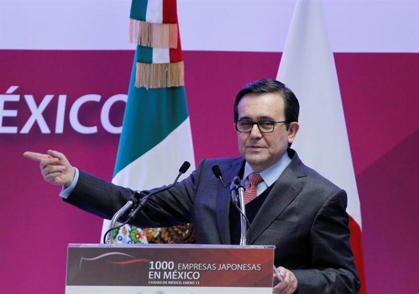 """Los cambios en la política de EE.UU. que impacten en las importaciones en ese país serán respondidas con """"acciones espejo"""" en México a fin de igualar la situación, dijo el ministro de Economía, Ildefonso Guajardo. EFE/Archivo"""