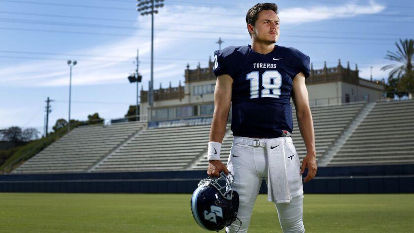 USD quarterback Anthony Lawrence
