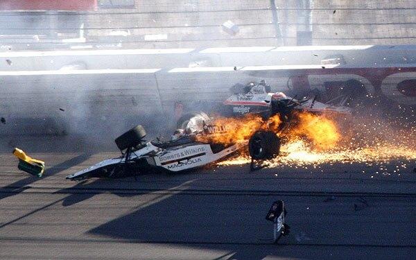 Dan Wheldon killed in Indy Car crash