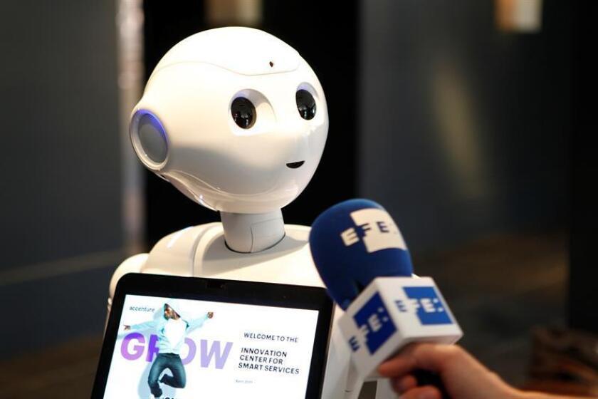 Uno de los robots del Festival Digital de Bruselas que reunió el 1 de junio de 2017 a numerosos expertos que analizan las ventajas de la inteligencia artificial, como en el caso de los robots, pero también los riesgos que comporta, como los ataques informáticos. EFE/Archivo