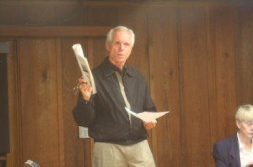 La Jolla Community Planning Association trustee Phil Merten presents to the la Jolla Shores Association about the history of advisory groups and documents. Ashley Mackin