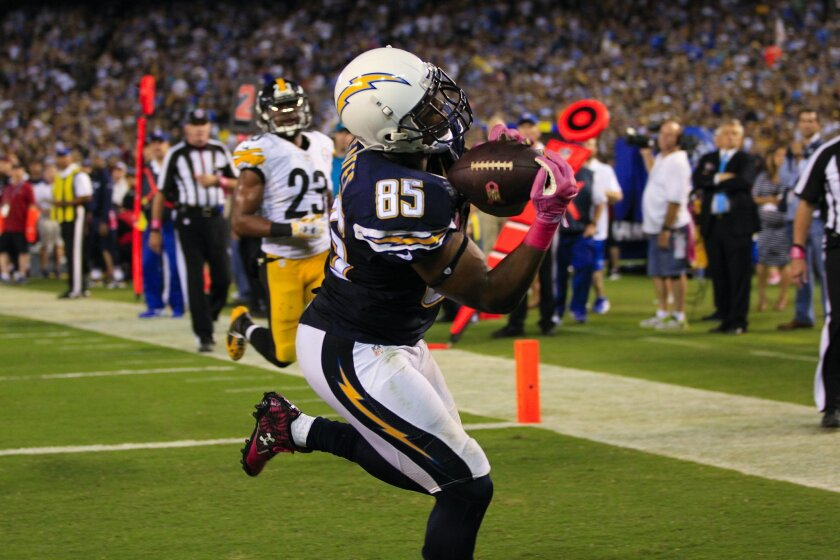 San Diego Chargers tight end Antonio Gates hauls in a touchdown pass against the Pittsburgh Steelers during the second half of an NFL football game Monday, Oct. 12, 2015, in San Diego.