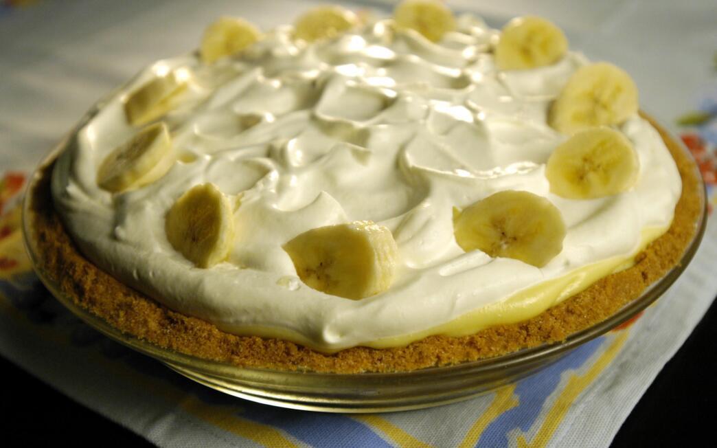 Clementine's banana cream pie