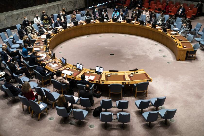 Zhang Jun, representante general de China ante Naciones Unidas, habla durante una reunión del Consejo de Seguridad dela ONU, el jueves 23 de septiembre de 2021, durante la 76ta sesión de la Asamblea General en Nueva York. (AP Foto/John Minchillo, Pool)