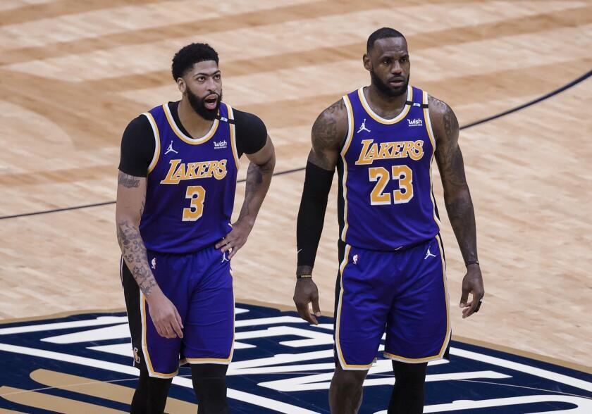 Los Angeles Lakers forward LeBron James (23)