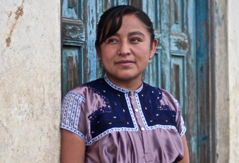 Enriqueta Lunez es una poeta tsotsil de San Juan Chamula, Chiapas, que participará en la Conferencia de Literatura Indígena que se desarrollará en nuestra ciudad este sábado y domingo.