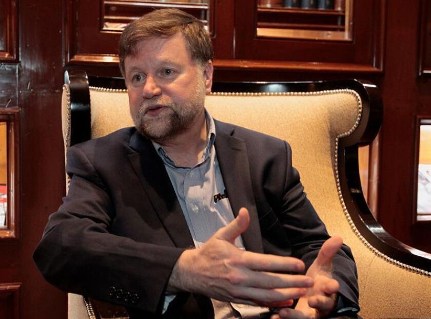 El científico Robert Sutor habla durante una entrevista con Efe este 25 de junio de 2018, en Ciudad de México (México). EFE