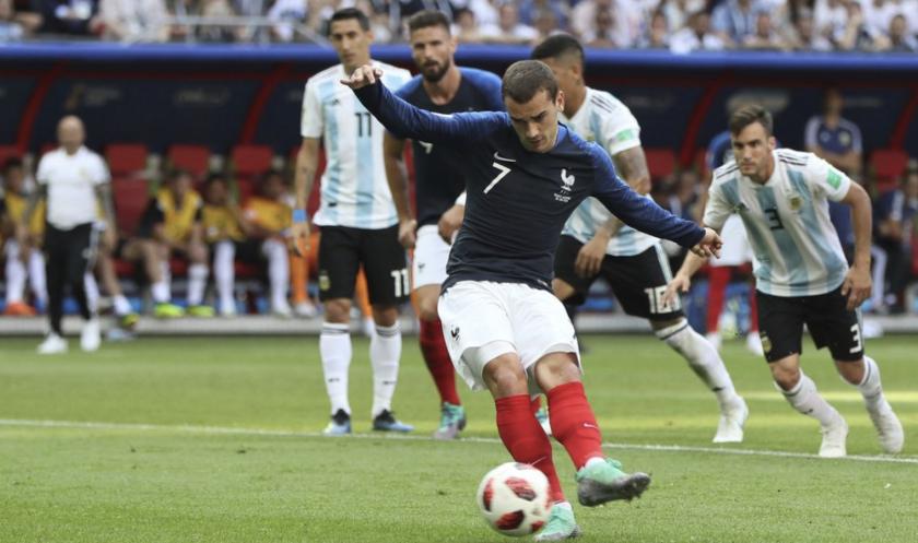 Antoine Griezmann cobró perfecto el penalti para adelantar a los galos.
