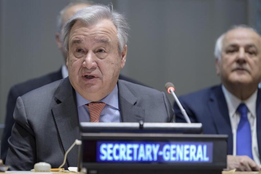 Fotografía cedida por la ONU donde aparece su secretario general, António Guterres, mientras habla durante el traspaso de la presidencia del Grupo de los 77 (G77) más China de Egipto a Palestina, hoy en la sede del organismo en Nueva York (EE.UU.). EFE/Manuel Elias/ONU/SOLO USO EDITORIAL/NO VENTAS