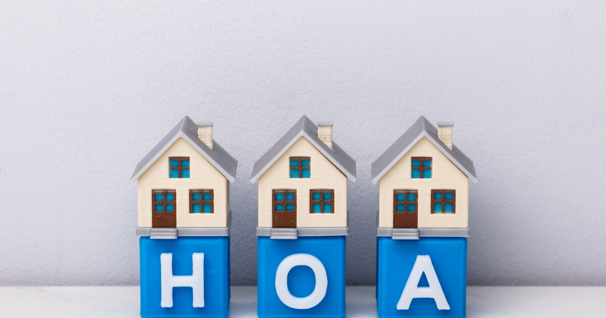 HOA Homefront – Who decides on the HOA colors?