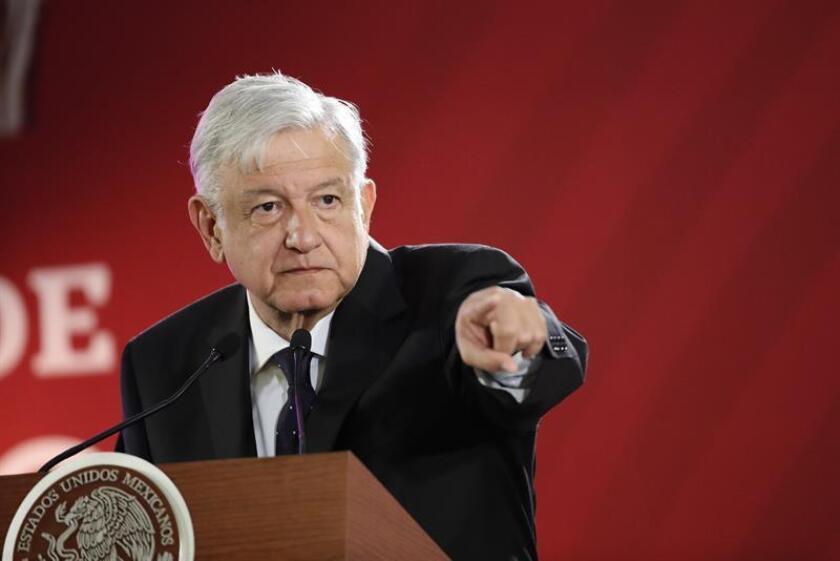 El presidente de México, Andrés Manuel López Obrador, habla durante su rueda de prensa matutina, en Palacio Nacional, en Ciudad de México (México). EFE/Archivo