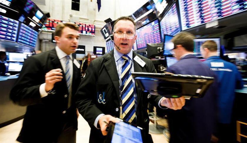 Wall Street cierra mixto y el Dow Jones queda plano