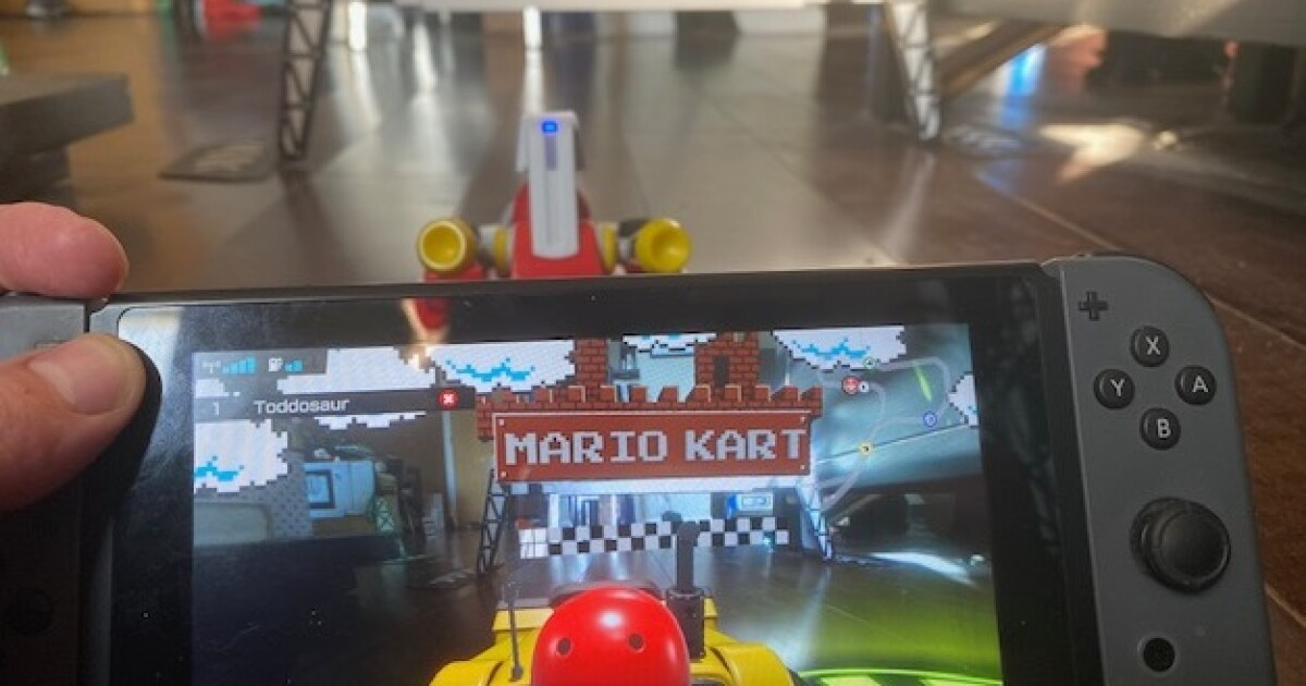 Ya-hoo! 'Mario Kart Live's' augmented reality tops 'Pokémon Go' and makes home a playground