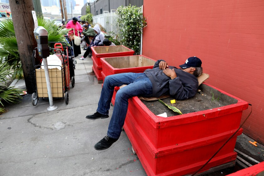 3083172_ME_homeless_planters_GXC