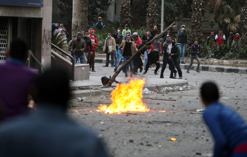 Egyptian opposition leader calls for talks to end violence