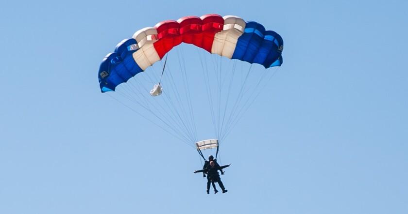 Skydiving Lara Logan at Del Mar Country Club March 30.jpg