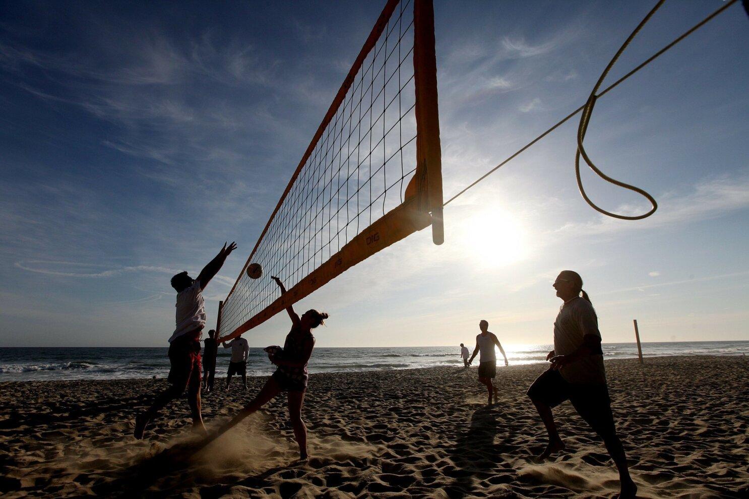 Beach Volleyball Club Nets Controversy The San Diego Union Tribune