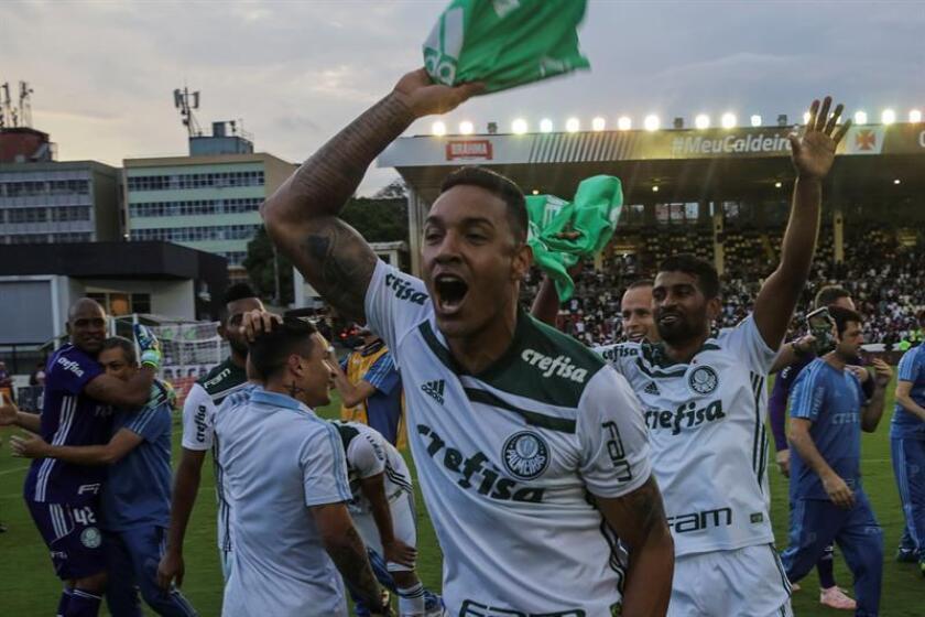 Palmeiras players celebrate after the team's 1-0 victory over Vasco da Gama, a win whereby Palmeiras clinched its 10th Brazilian league title on Nov. 25, 2018, in Rio de Janeiro. EFE-EPA/ Antonio Lacerda