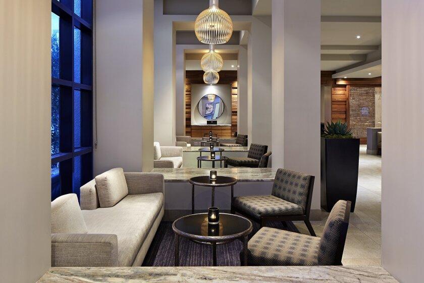 Hilton San Diego Mission Valley, lounge area