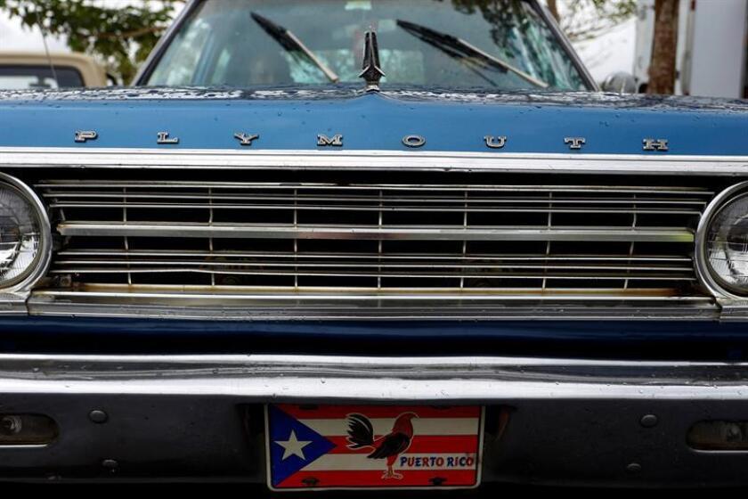 El jefe de la Administración de Servicios Generales (ASG) del Gobierno de Puerto Rico, Ottmar J. Chávez, anunció hoy el comienzo de una campaña para decomisar los alrededor de 2.000 vehículos declarados chatarra que durante años se han acumulado en terrenos, fincas, edificios públicos, y cuarteles de la policía, provocando daños ambientales y ocupando espacio público. EFE/Archivo