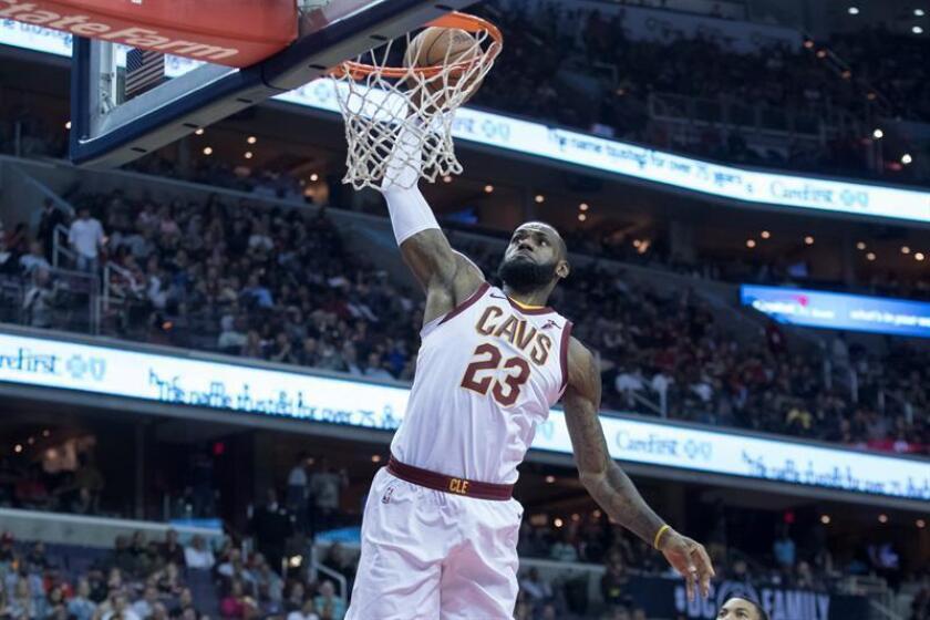 En la imagen, LeBron James de los Cavaliers de Cleveland. EFE/Archivo
