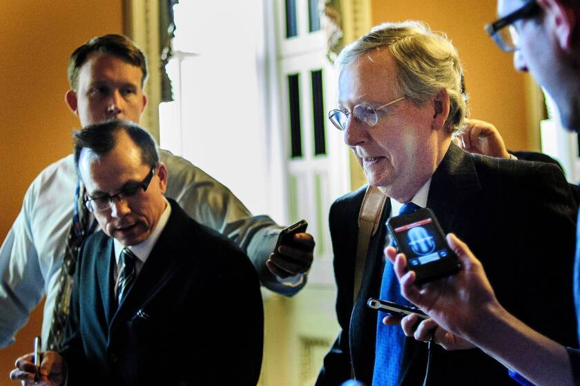 Congress edges closer to 'fiscal cliff' deal but can't close it