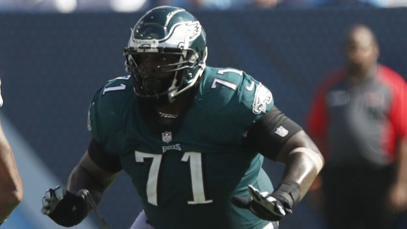 Philadelphia Eagles offensive tackle Jason Peters (71) sets to block against the Tennessee Titans du