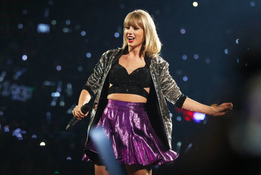 Taylor Swift S 1989 Is 2015 S Highest Grossing Concert Tour By Far Los Angeles Times