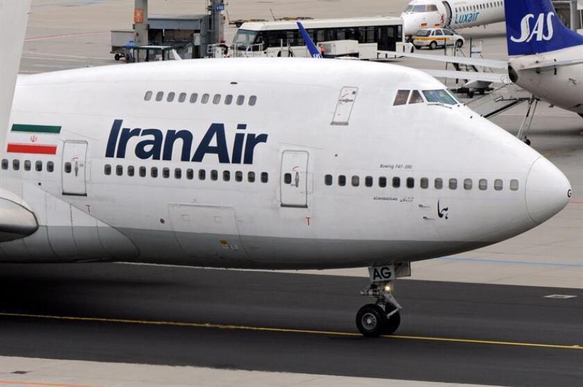 La Administración de Donald Trump está analizando las opciones que tiene para intentar malograr los intentos de Boeing y Airbus por vender aviones a Irán, informó hoy The Wall Street Journal (WSJ). EFE/EPA/ARCHIVO