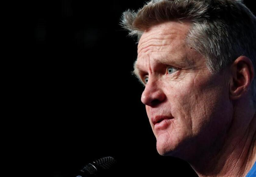 En la imagen, el entrenador de los Warriors de Golden State, Steve Kerr. EFE/Archivo