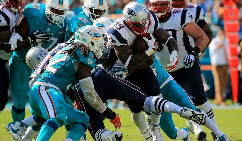 NFL Week 17: Patriots fall to Dolphins; Steelers earn playoff spot