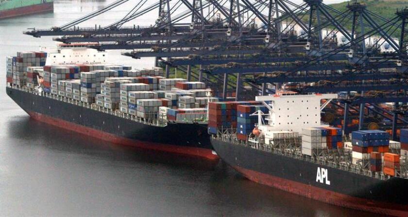 Fotografía de archivo fechada el 9 de octubre de 2014 que muestra el puerto de embarque de Veracruz (México). EFE