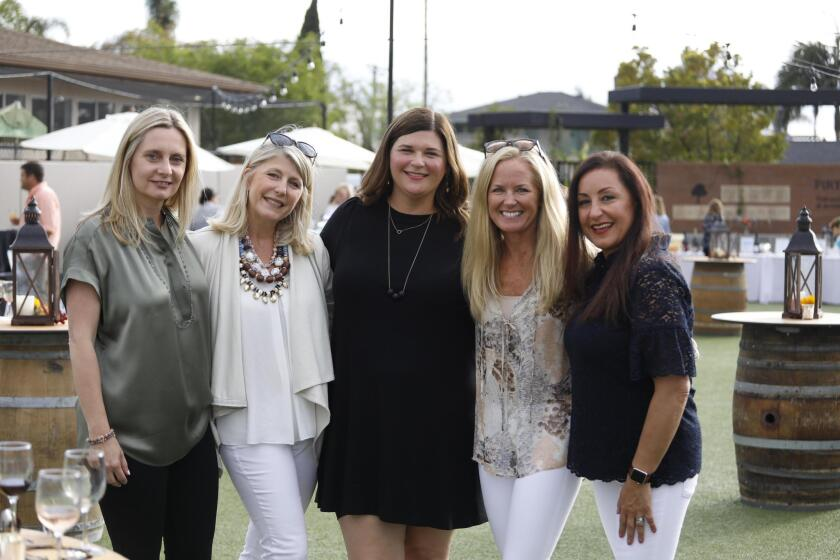 Event co-chairs Kelly Kjos, Jennifer McIlvaine Landa, Jill McIntyre Kelly, Christina Freundt and Alaleh Miremadi