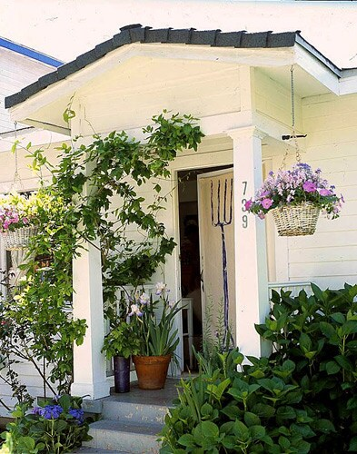 Venice artist Lynn Hanson's Cottage