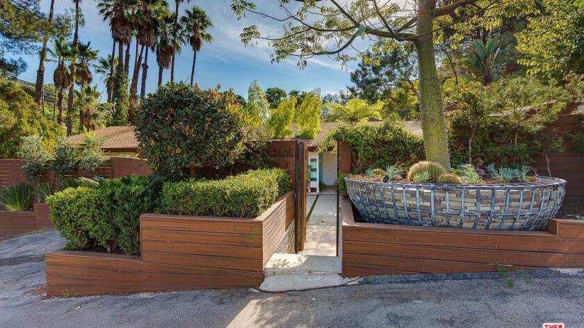 Hot Property | Jamie Durie