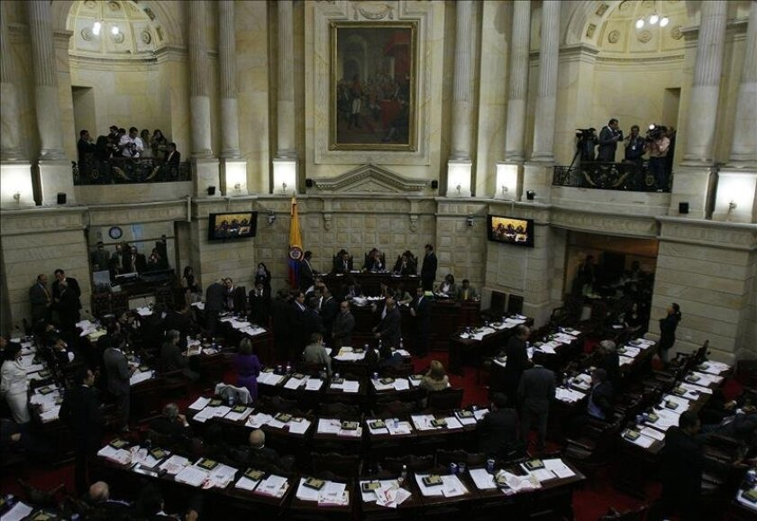 The lower house of Colombia's Congress overwhelmingly approved the repeal of a 2004 constitutional amendment that eliminated the one-term limit for presidents. EFE/File