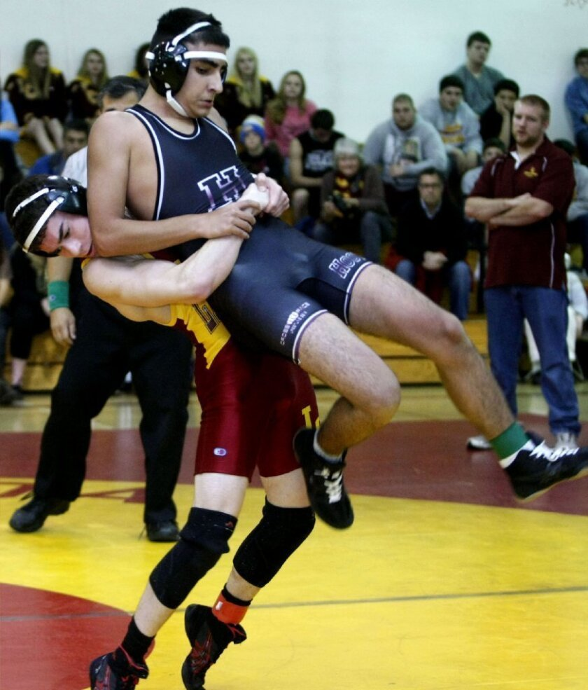 La Cañada High wrestling opens league with win versus Hoover