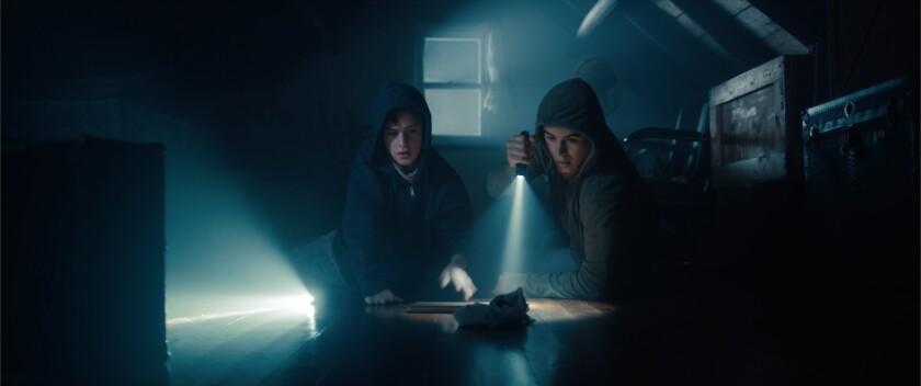 Review: Thriller 'Low Tide' plumbs character depth from teen heists