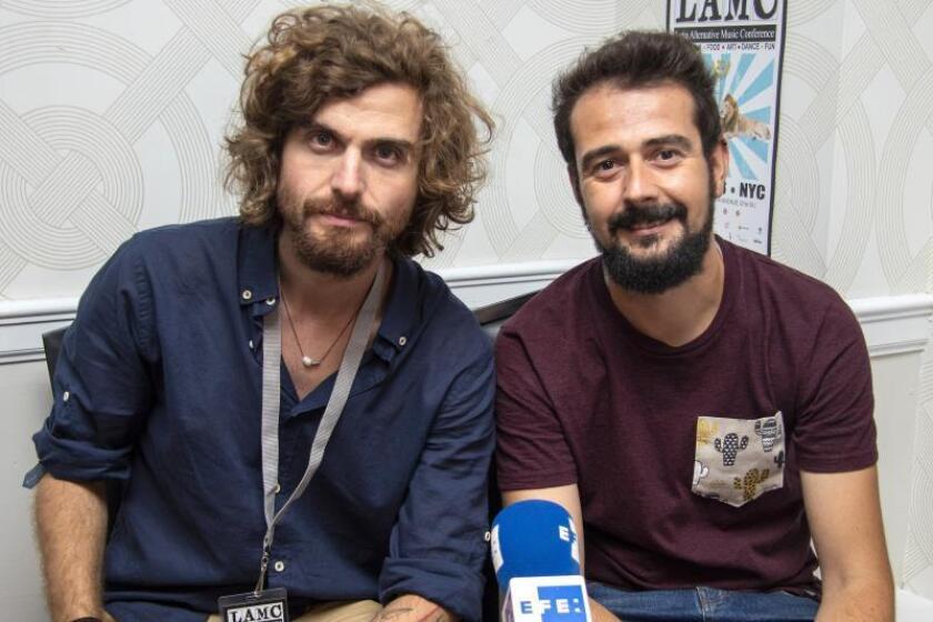 """El grupo español Tu Otra Bonita admite que ser diferente """"ha sido duro"""""""