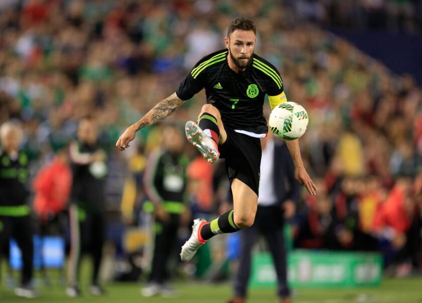 El defensa Miguel Layún fue convocado por la selección mexicana.