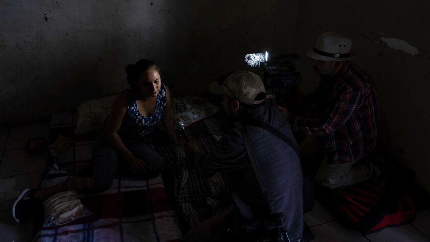 TOPSHOT-MEXICO-US-MIGRATION-CARAVAN
