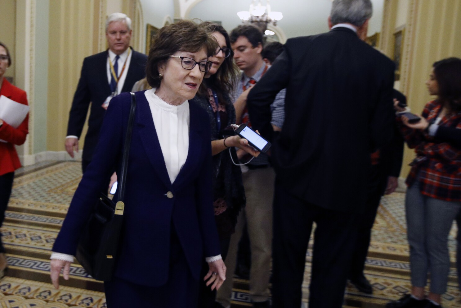 sen susan collins says she will vote to acquit trump los angeles times sen susan collins says she will vote