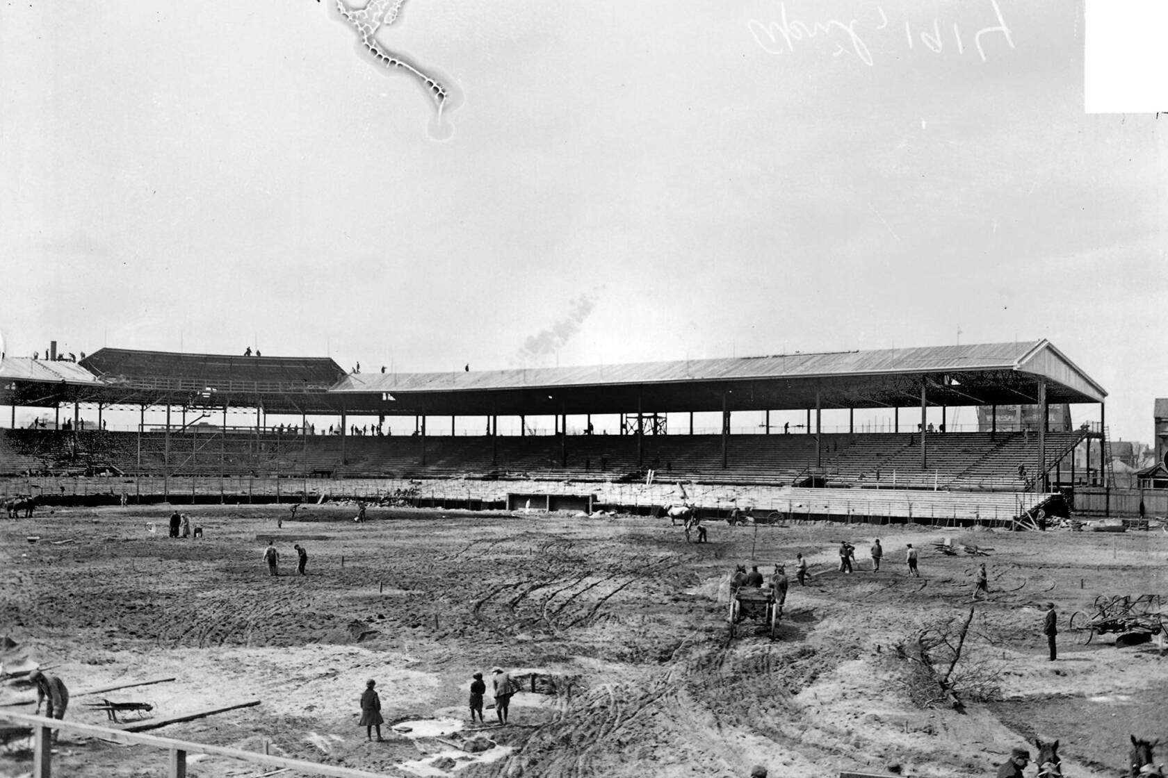An evolution to 'Beautiful Wrigley Field' - Los Angeles Times