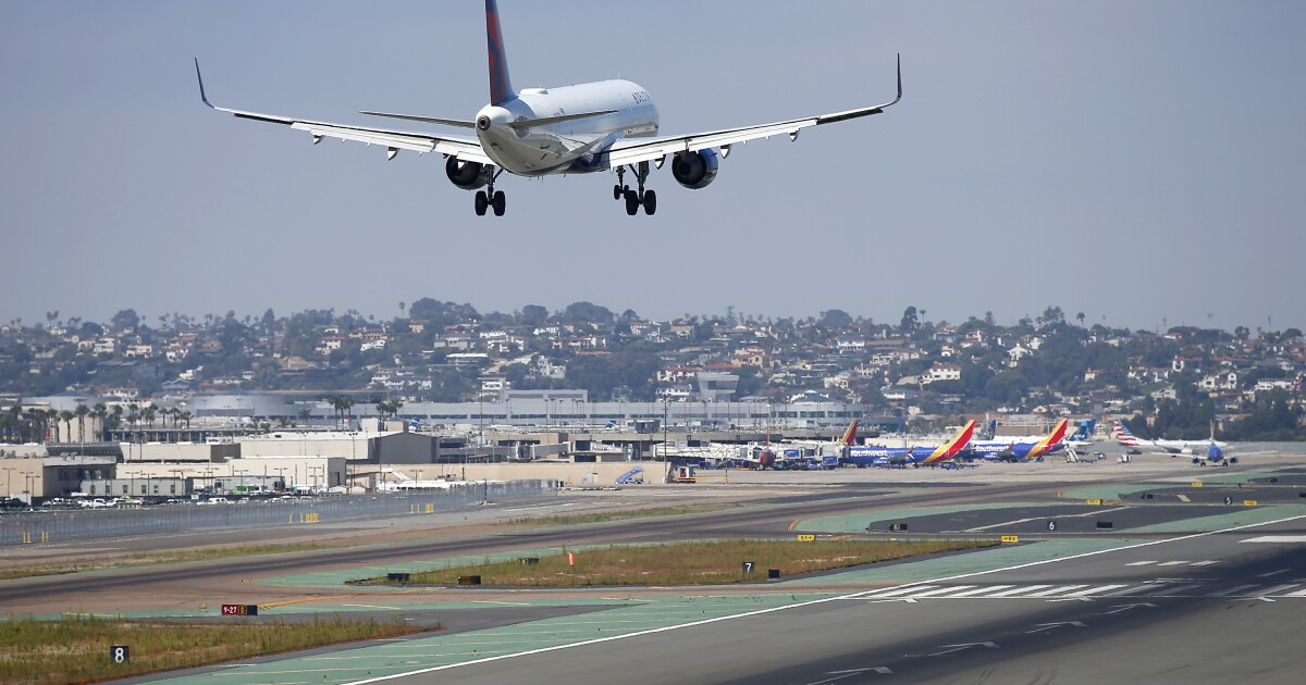 Airline pilots making in-flight errors say they're 'rusty' - Los Angeles Times